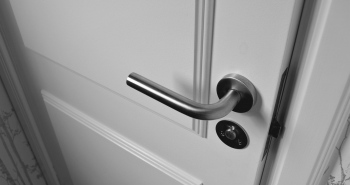 How To Choose The Best Burlington Door Replacement Contractors